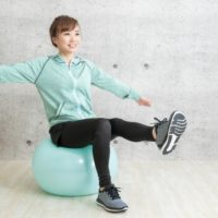 座りながらできる腰痛体操のご紹介